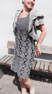 Heklet grå kjole Annett3